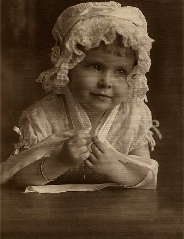 Photo of Jane Sarah Prettyman Smith as a child in 1912