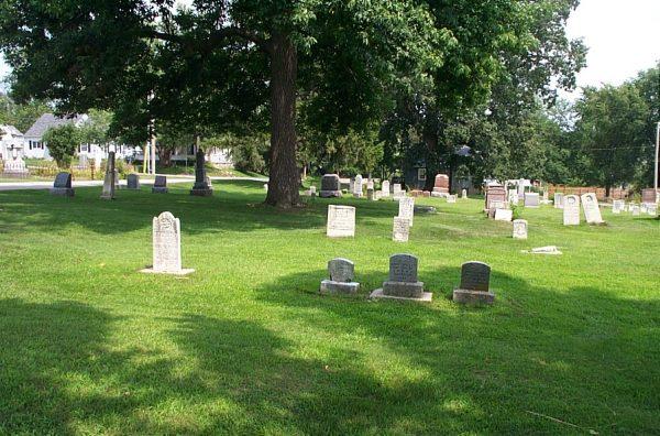 Photo of Garret Burns plot at Old City Cemtery in Washington, Illinois