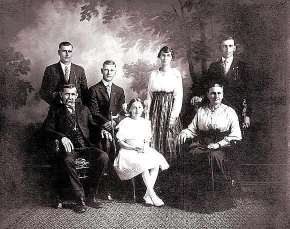 Jacob & Elizabeth Fischer Family circa 1919